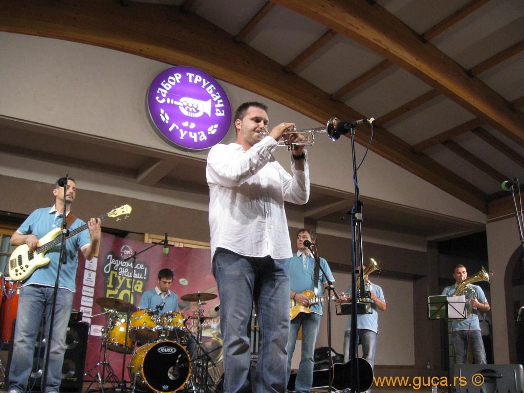 2010_guca_trumpet_15_08_006