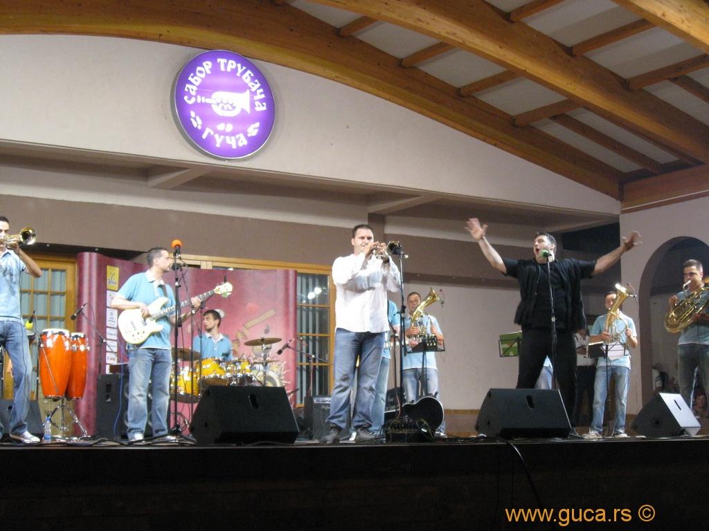 2010_guca_trumpet_15_08_013