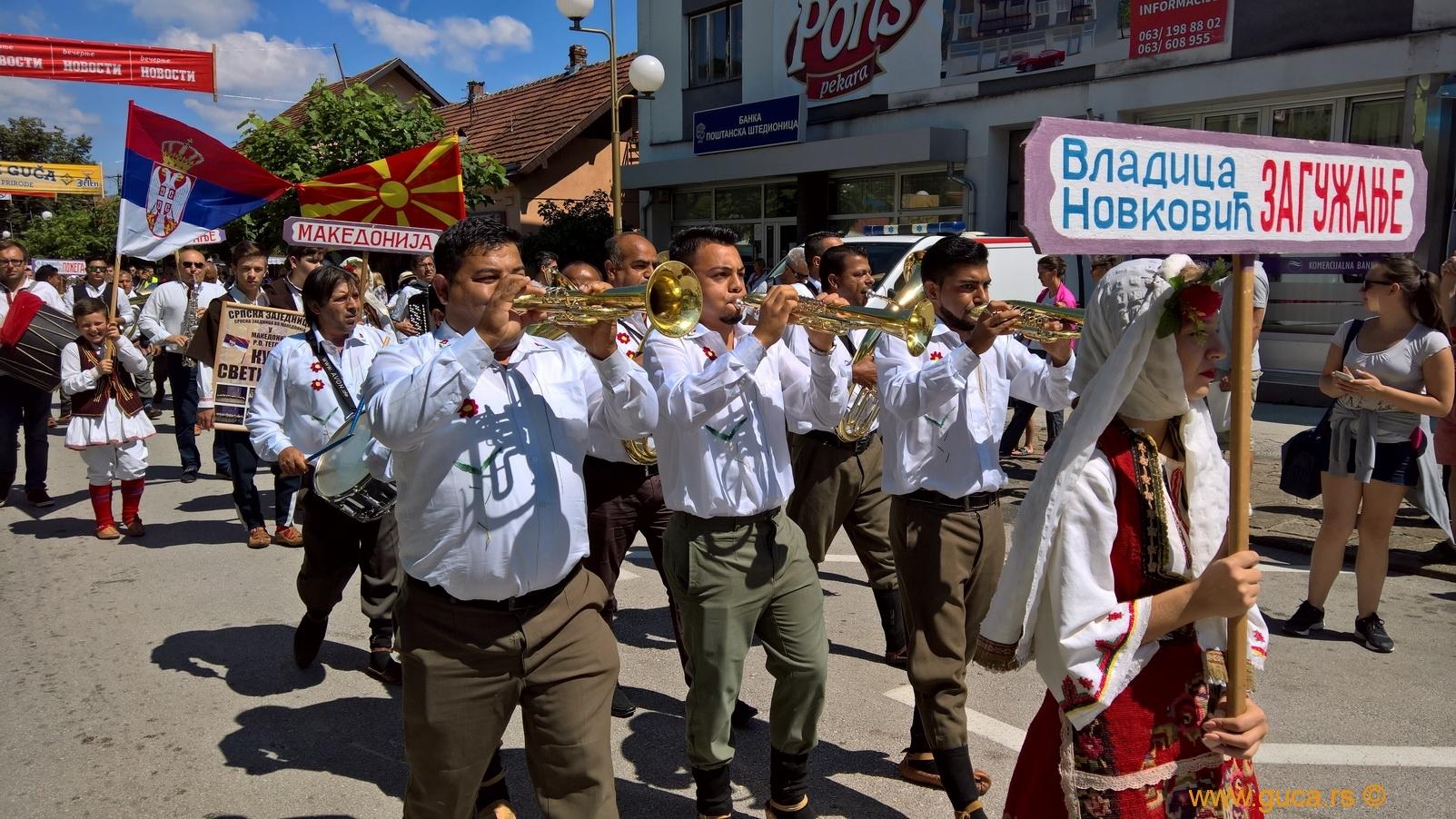 Parade_Guca12