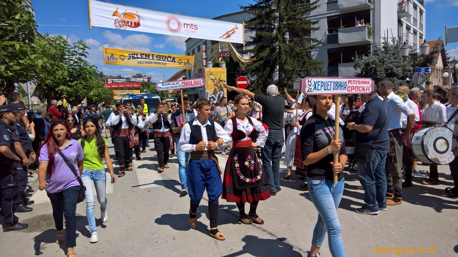 Parade_Guca18