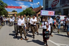 Parade_Guca15