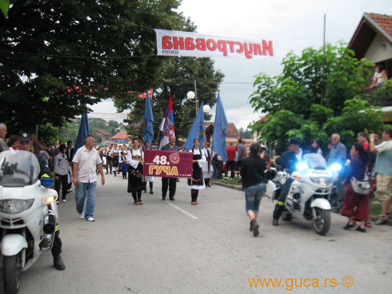 48_Guca_Gathering_parade006