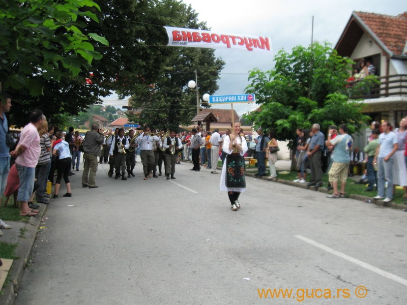 48_Guca_Gathering_parade014