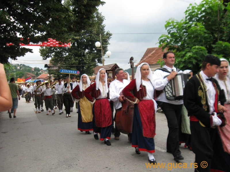 48_Guca_Gathering_parade038