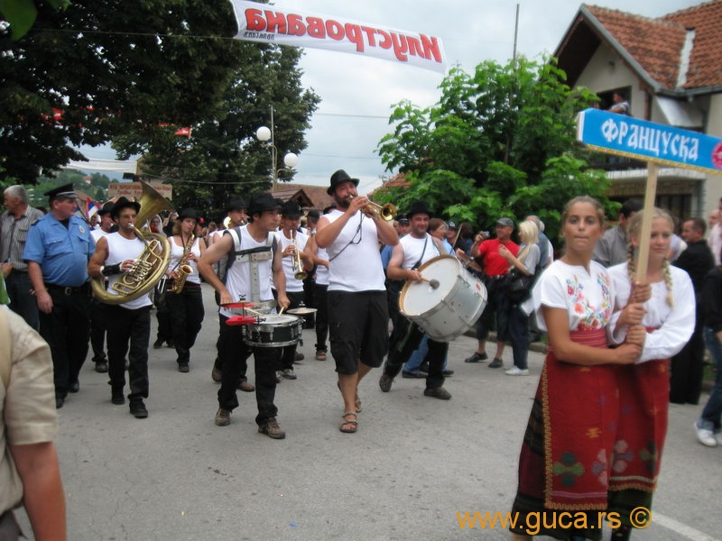 48_Guca_Gathering_parade063